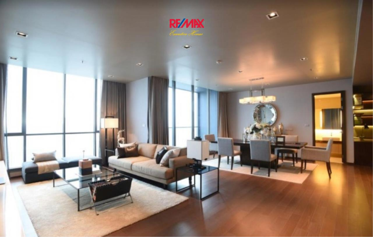 RE/MAX Executive Homes Agency's Stunning 2 Bedroom Duplex for Sale Hyde 13 2