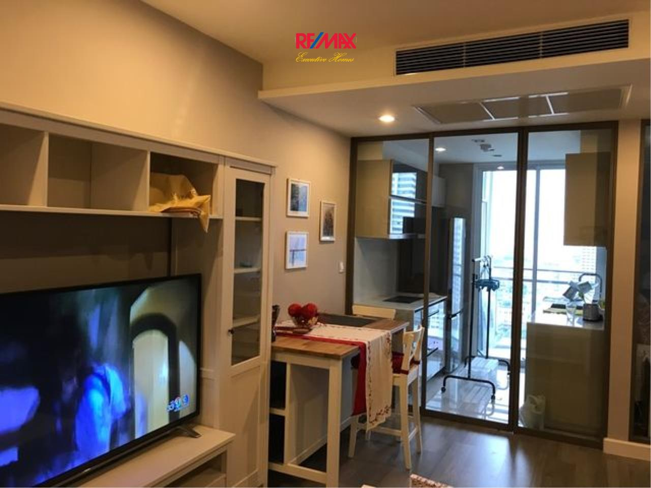 RE/MAX Executive Homes Agency's Beautiful 1 Bedroom for Sale The Room Sathorn Pan 5