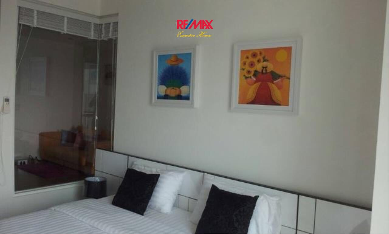RE/MAX Executive Homes Agency's Nice 1 Bedroom for Sale The Room  62 3