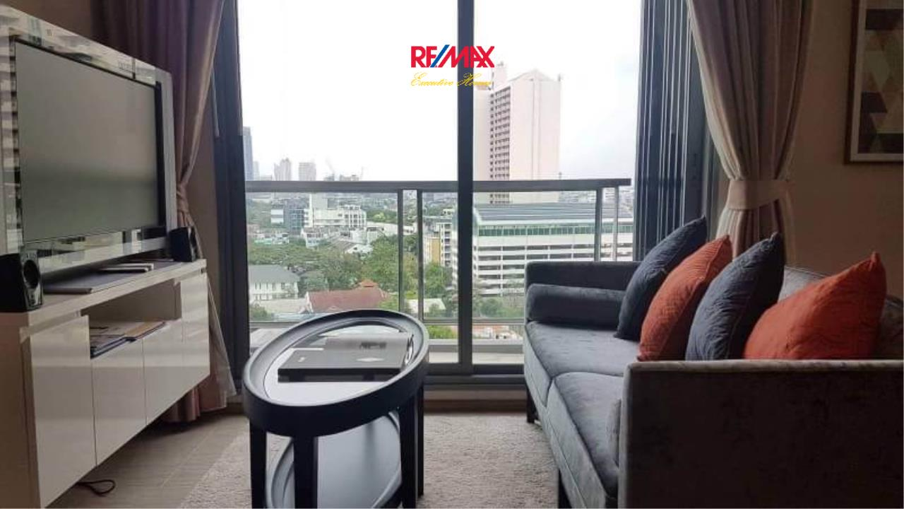 RE/MAX Executive Homes Agency's Beautiful 2 Bedroom for Rent H 43 2