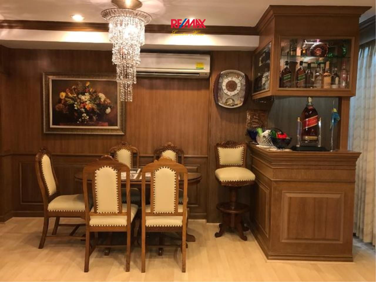 RE/MAX Executive Homes Agency's Spacious 1 Bedroom for Sale Diamond Tower  3