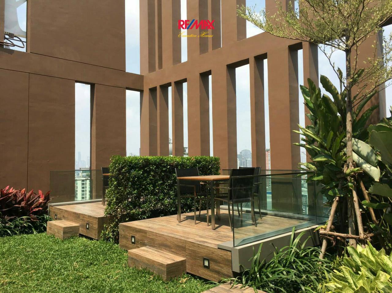 RE/MAX Executive Homes Agency's Cozy Studio type Bedroom for Sale with Tenant Loft Ekamai 6