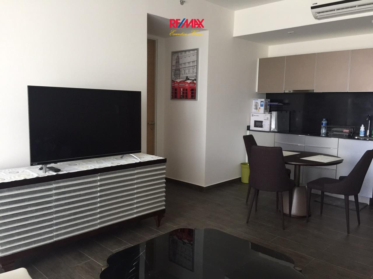 RE/MAX Executive Homes Agency's Nice 2 Bedroom for Rent Lofts Ekamai  3