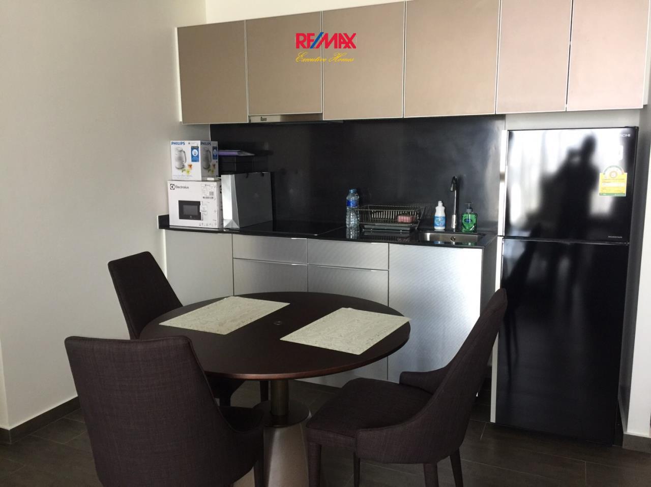 RE/MAX Executive Homes Agency's Nice 2 Bedroom for Rent Lofts Ekamai  4