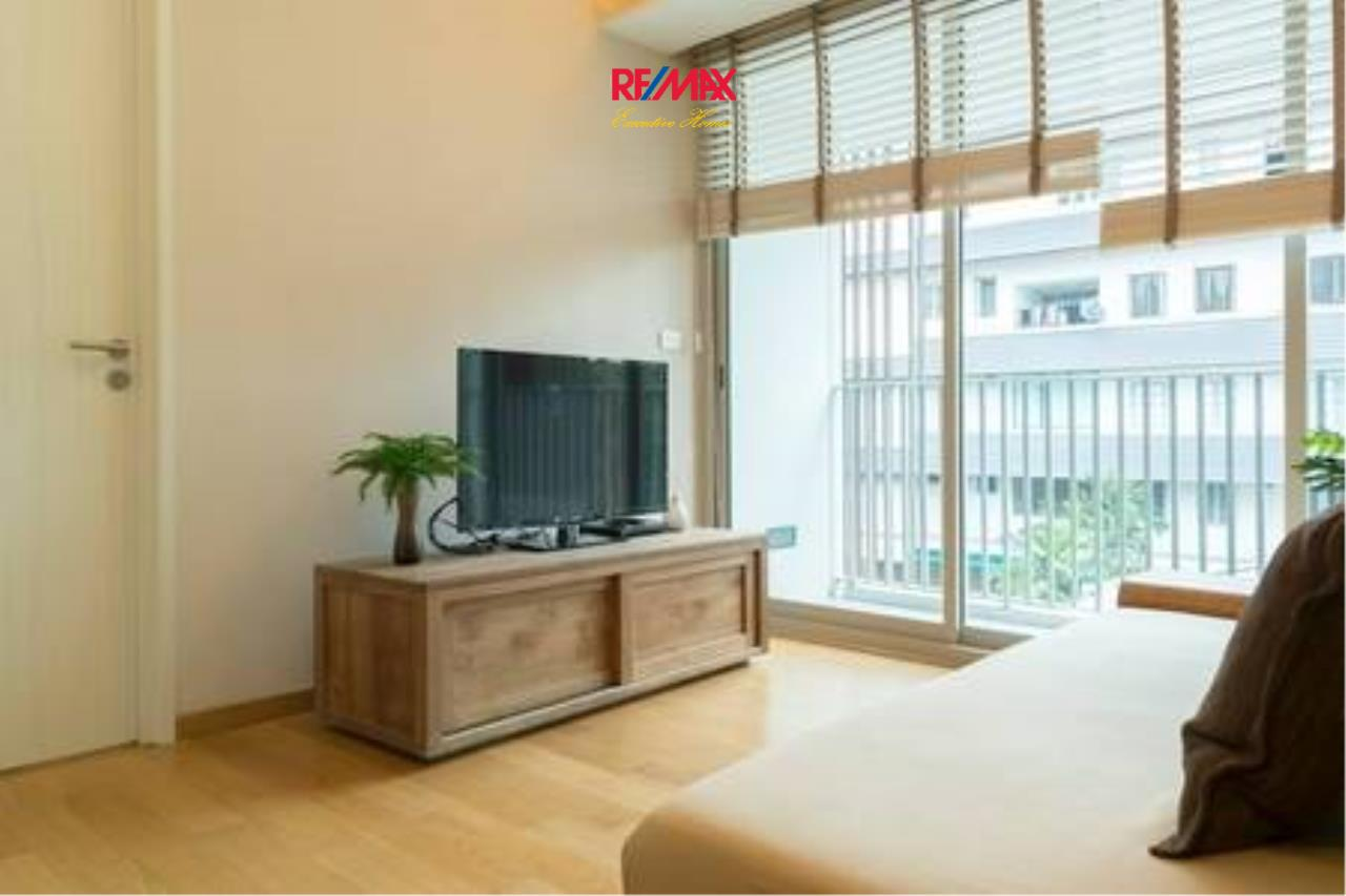 RE/MAX Executive Homes Agency's Beautiful 1 Bedroom for Rent Via 31 4