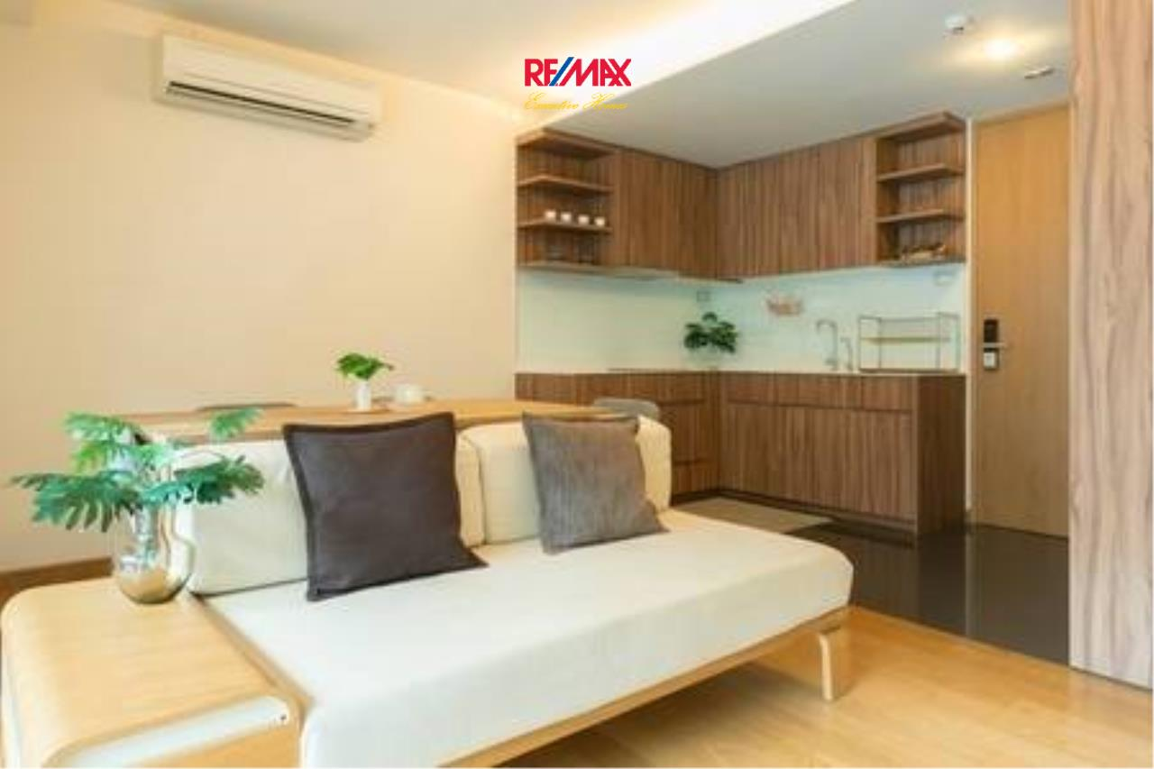 RE/MAX Executive Homes Agency's Beautiful 1 Bedroom for Rent Via 31 2