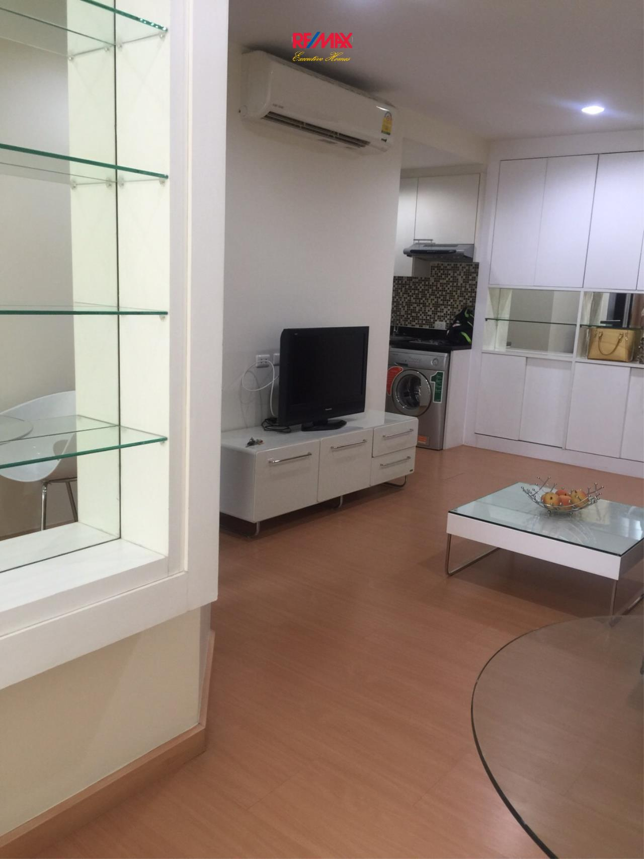 RE/MAX Executive Homes Agency's Nice 1 Bedroom for Rent and Sale Address Sukhumvit 42 4