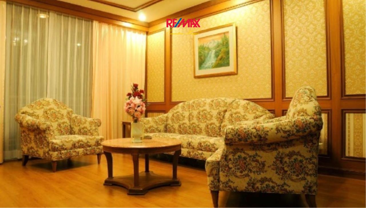 RE/MAX Executive Homes Agency's Spacious 2 Bedroom for Rent Asoke Place 1