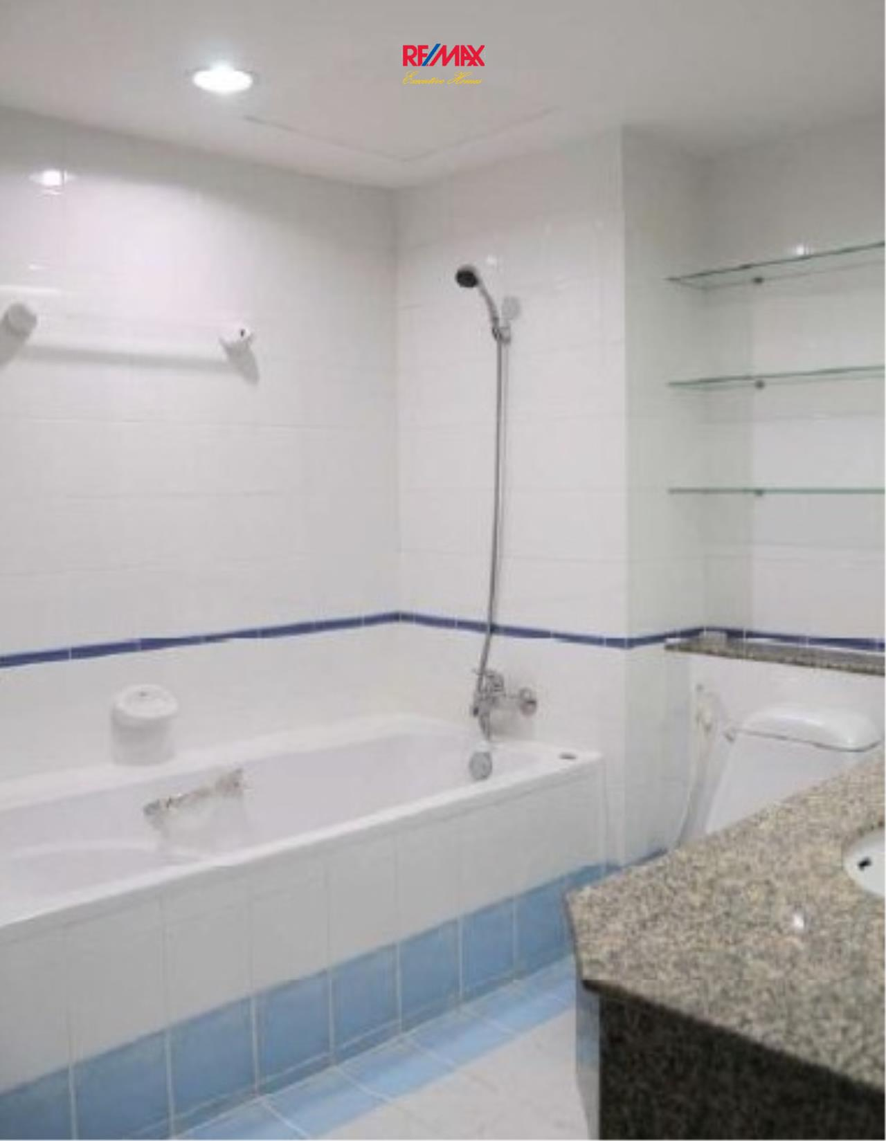 RE/MAX Executive Homes Agency's Spacious 2 Bedroom for Rent Asoke Place 6