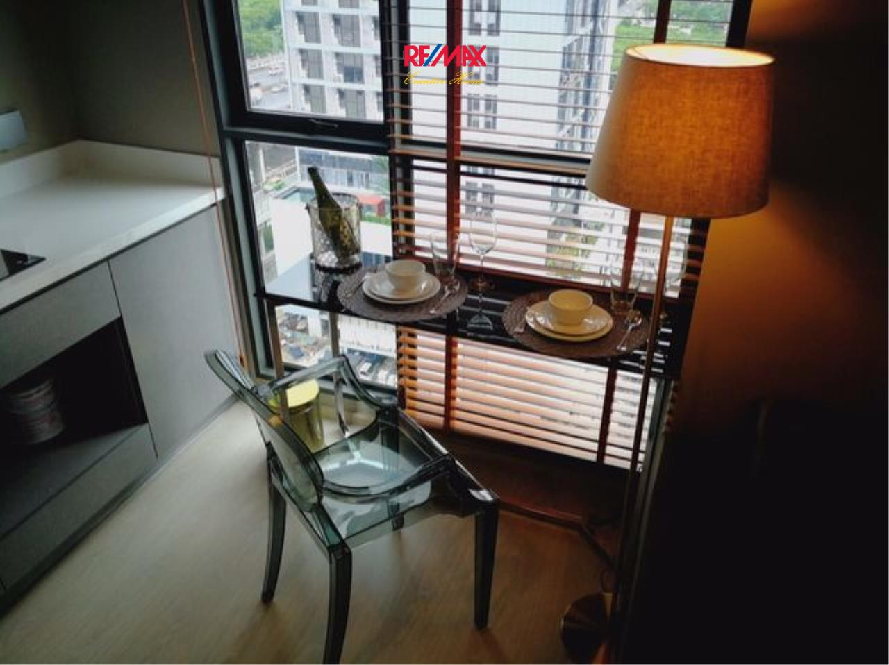 RE/MAX Executive Homes Agency's Nice 1 Bedroom for Rent Rhythm Asoke 2 5