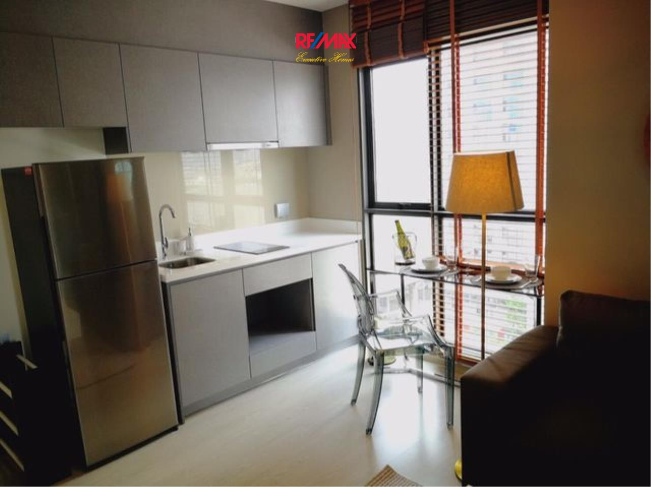 RE/MAX Executive Homes Agency's Nice 1 Bedroom for Rent Rhythm Asoke 2 6