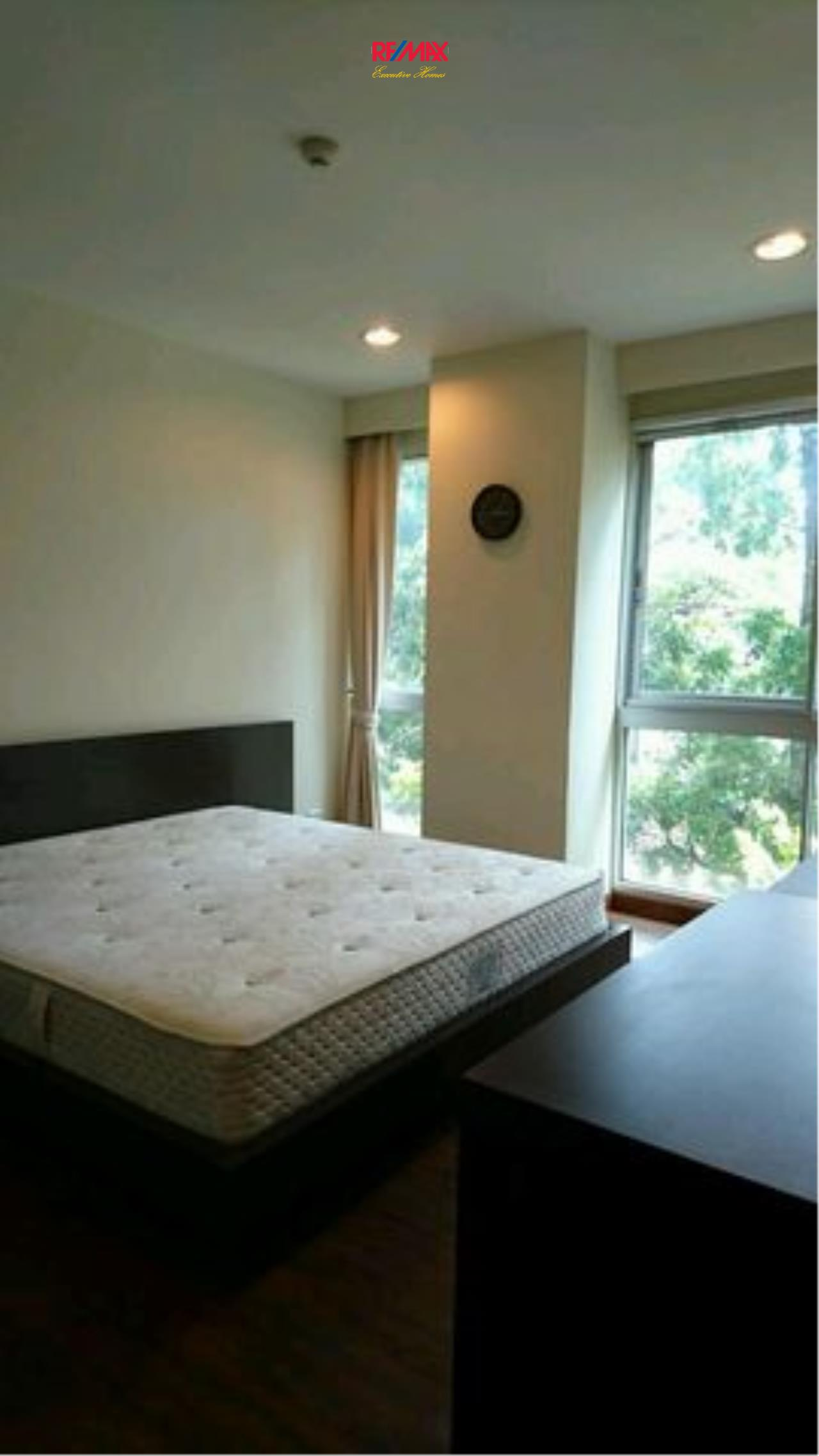 RE/MAX Executive Homes Agency's Spacious 1 Bedroom for Rent Von Napa 2