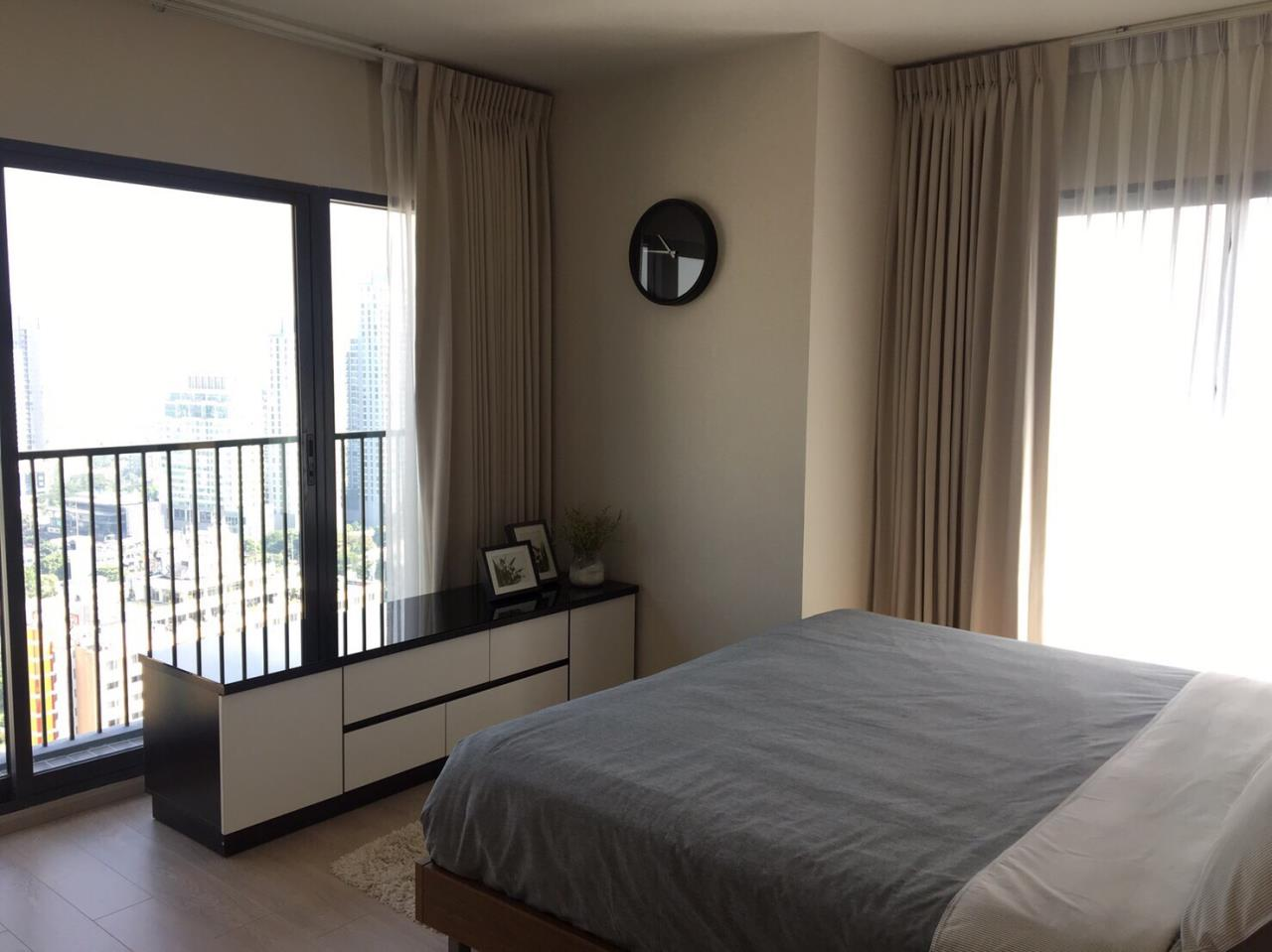 Quality Life Property Agency's S A L E  WITH TENANT !! || NOBLE REMIX || 1Br 62 Sq.m., High Floor, Corner Unit, Pool View  4