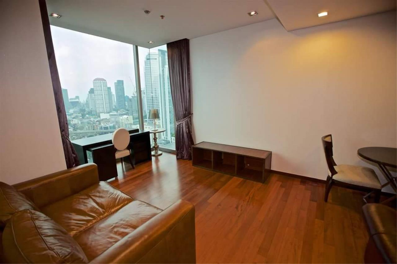 Quality Life Property Agency's S A L E !! [ ASHTON MORPH 38] 1Br 52.5 Sq.m. High Floor NICE VIEW !! 2