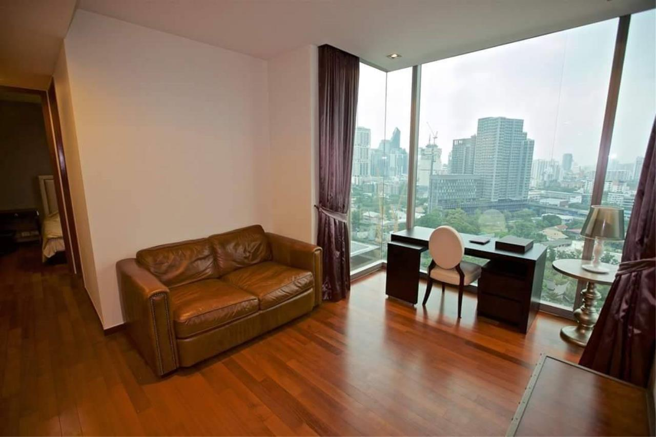 Quality Life Property Agency's S A L E !! [ ASHTON MORPH 38] 1Br 52.5 Sq.m. High Floor NICE VIEW !! 4