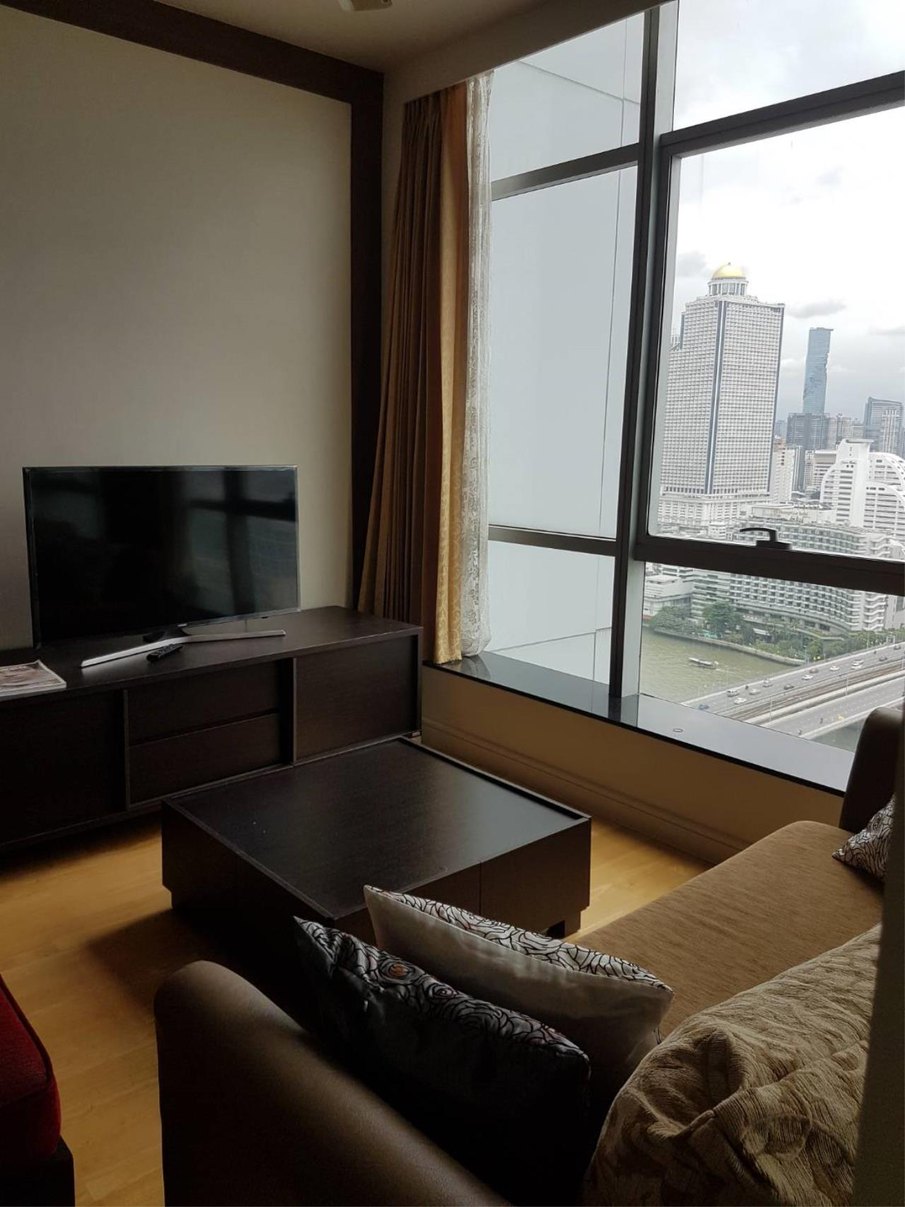 Quality Life Property Agency's For Rent Condo Baan Chao Praya Sathorn 1 Bedroom 1 Bath High Floor Top View 2