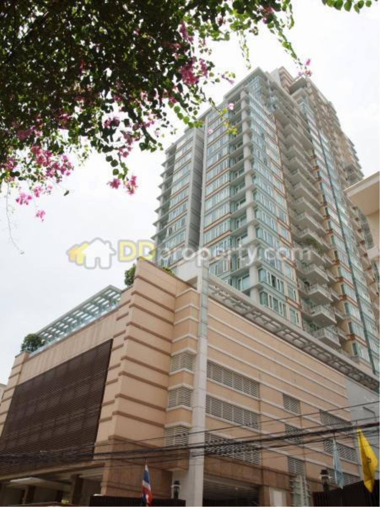 Quality Life Property Agency's Condo For Sale With Tenant 3 Bedroom At Baan Siri 24, Corner Unit Wide Area On High Floor 1