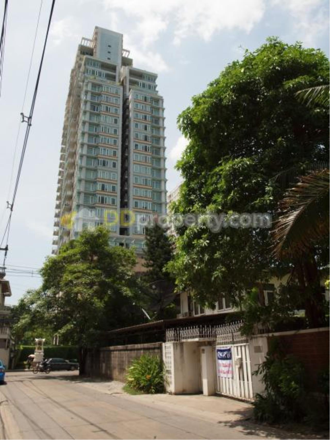 Quality Life Property Agency's ****New***Condo For Sale With Tenant 3 Bedroom At Baan Siri 24, Corner Unit Wide Area On High Floor 2
