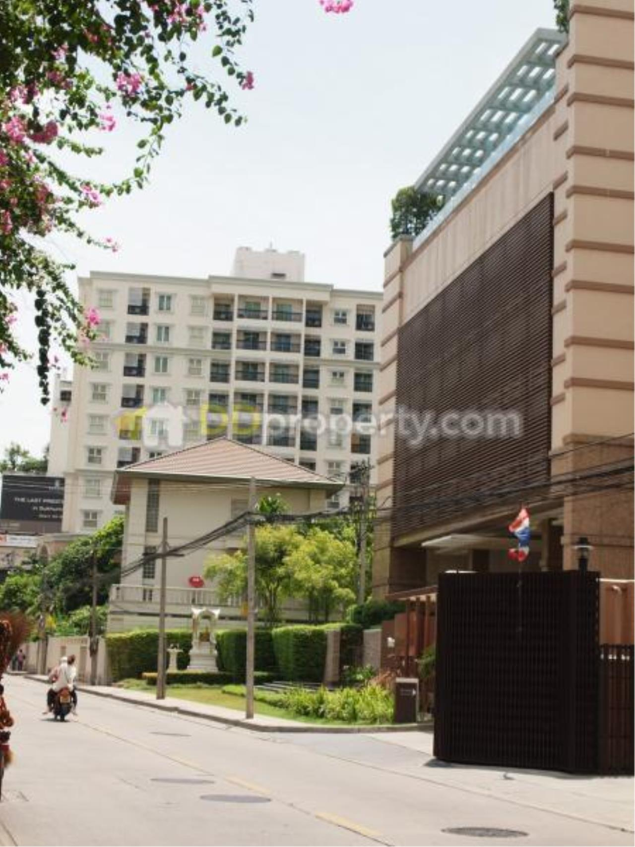 Quality Life Property Agency's For Rent Codo BaanSiri 24, Corner Unit Wide Area On High Floor 3