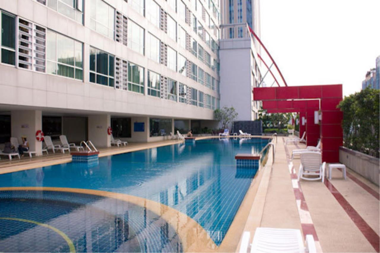 Quality Life Property Agency's  At The Trendy Condominium , Many Units Available Here***  For Rent **** 3