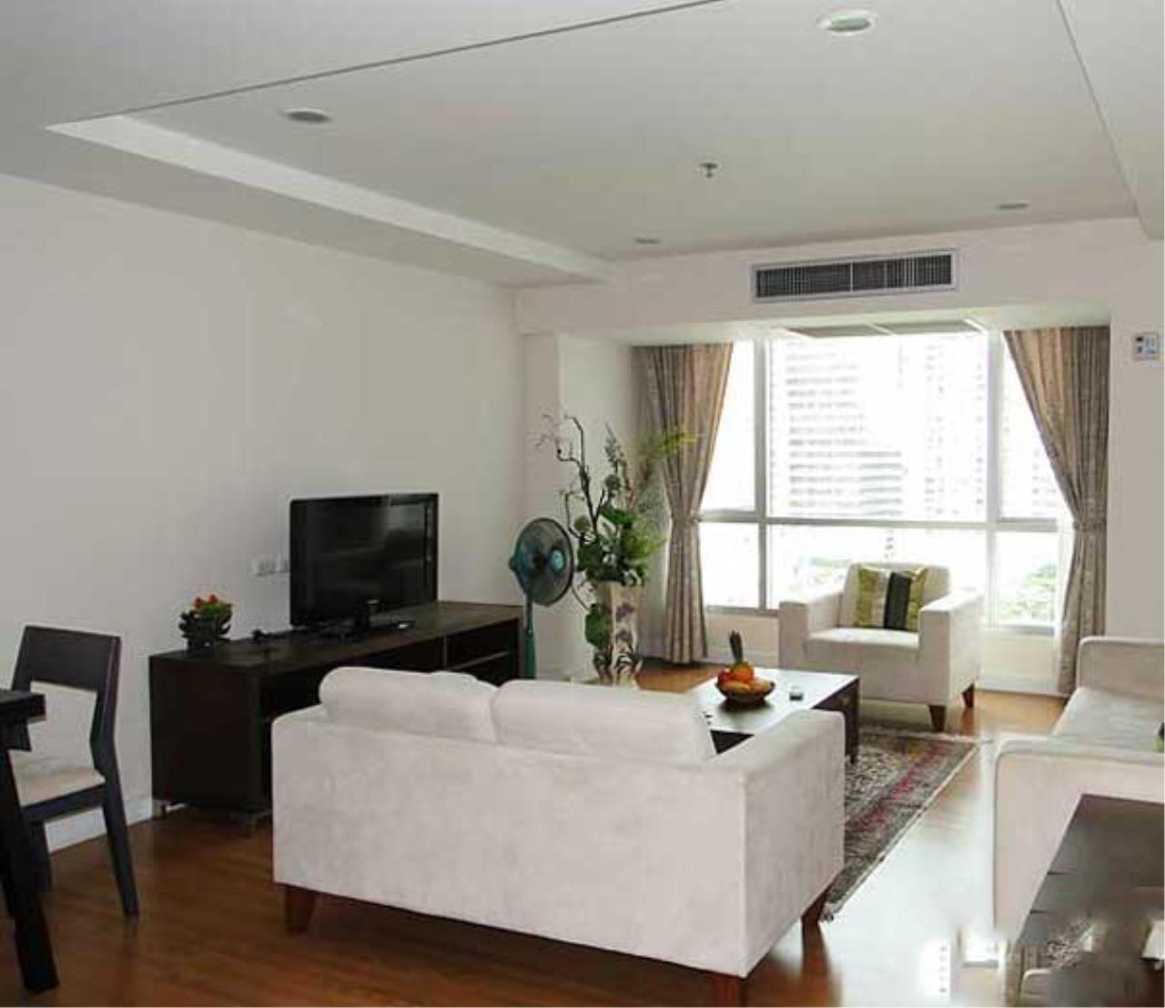 Quality Life Property Agency's **** For Rent*******  At The Trendy Condominium , Wide Area, Facing East , Floor 1x , Fully Furnished Ready To Move In 5