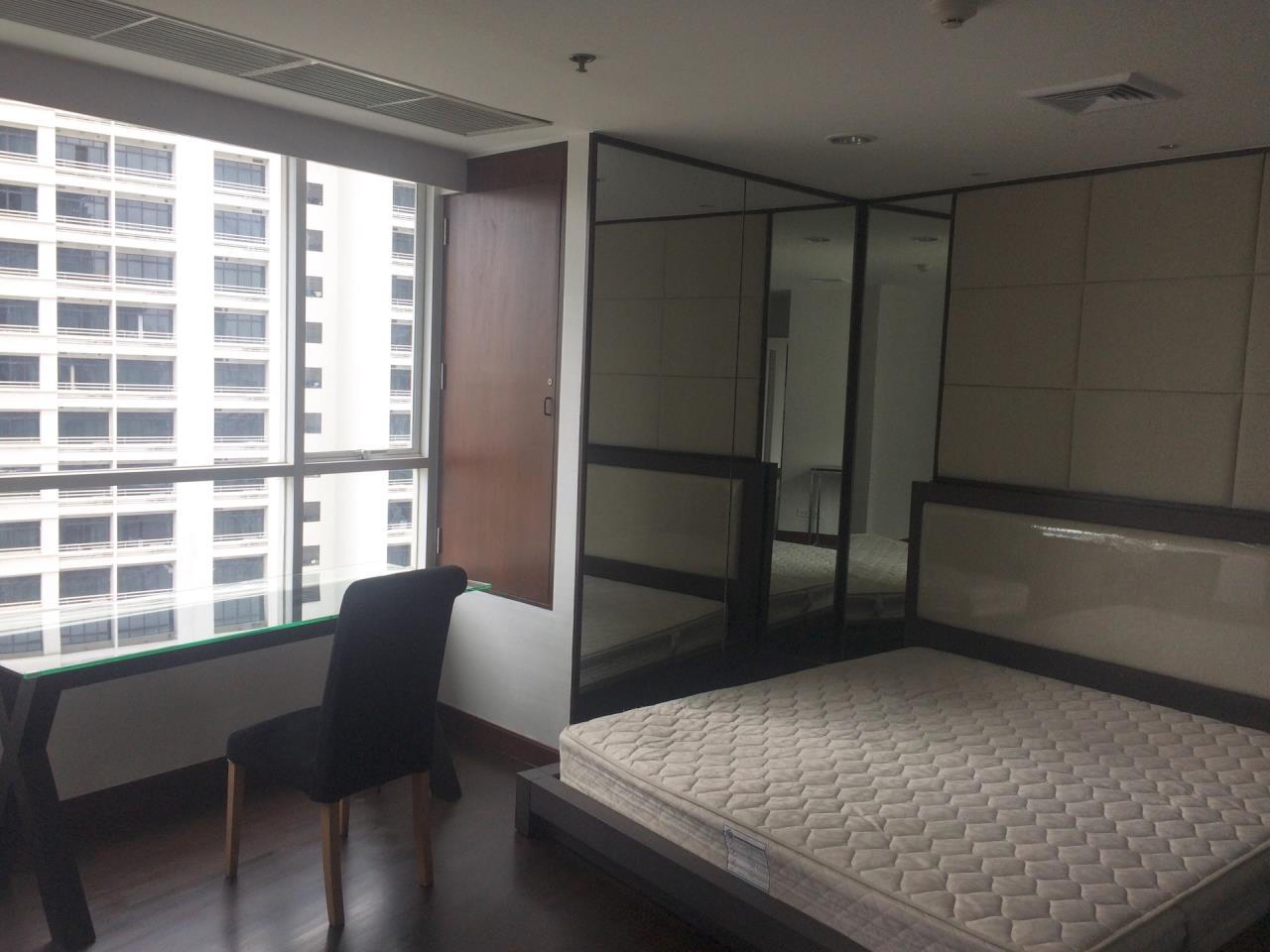 Quality Life Property Agency's 2-BEDROOM CONDO FOR RENT IN URBANA LANGSUAN 9 FOOR 1