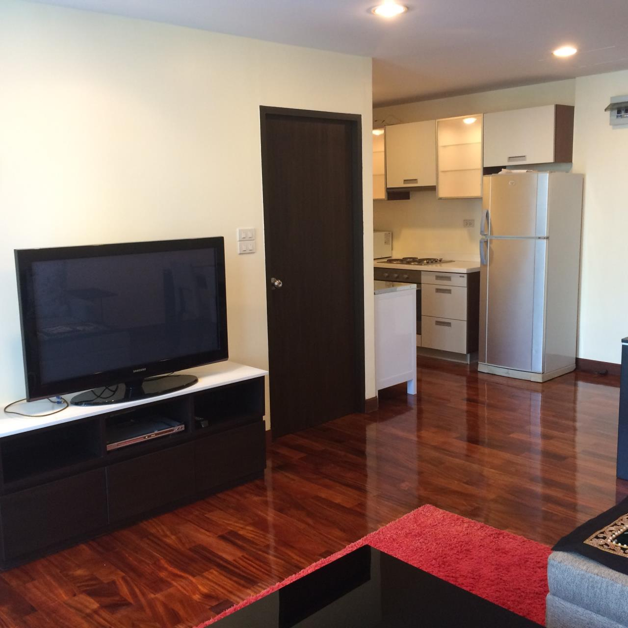 Quality Life Property Agency's 2-BEDROOM CONDO FOR RENT IN URBANA LANGSUAN 9 FOOR 7