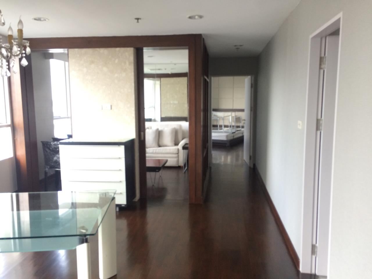 Quality Life Property Agency's 2-BEDROOM CONDO FOR RENT IN URBANA LANGSUAN 9 FOOR 9