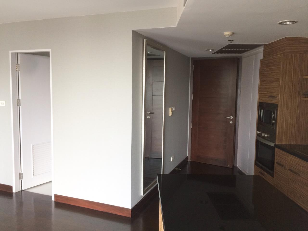 Quality Life Property Agency's 1-BEDROOM CONDO FOR RENT IN URBANA LANGSUAN 17 FOOR 3