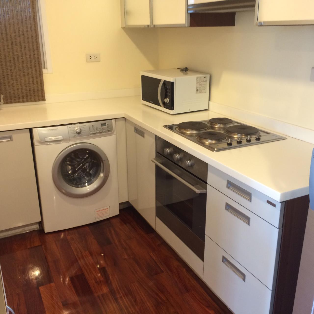 Quality Life Property Agency's 1-BEDROOM CONDO FOR RENT IN URBANA LANGSUAN 17 FOOR 7