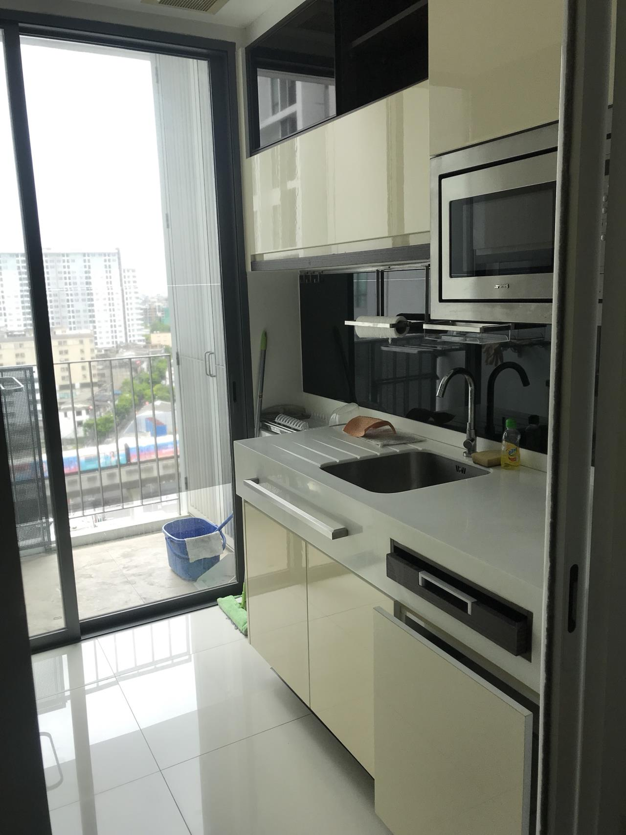 Quality Life Property Agency's RENT **** WITH TENANT ! THE ROOM SUKHUMVIT 62 | 1 BED 1 BATH | 45 SQ. M. 12 A FOOR 8