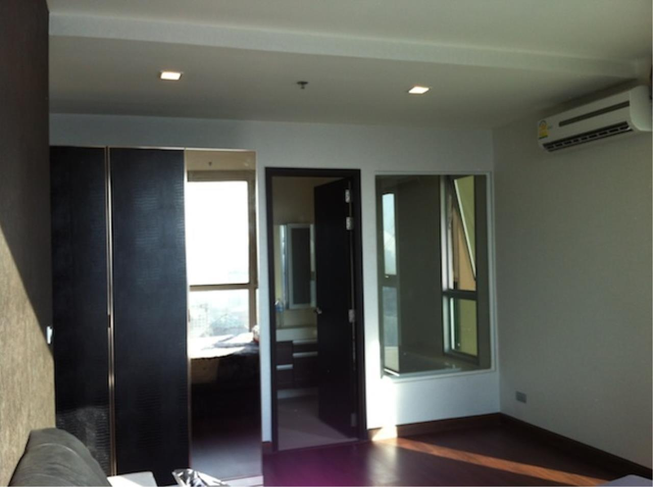 Quality Life Property Agency's For Rent  ! ! [ SKY WALK ] 2 BR 60 SQ. M. NICE DECORATION 4