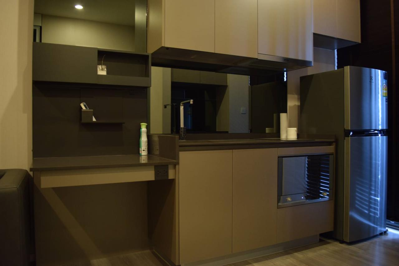 Quality Life Property Agency's Condo For Rent!!! The Room Sukhumvit  69  / 1 Bedroom  / 11 Floor 5