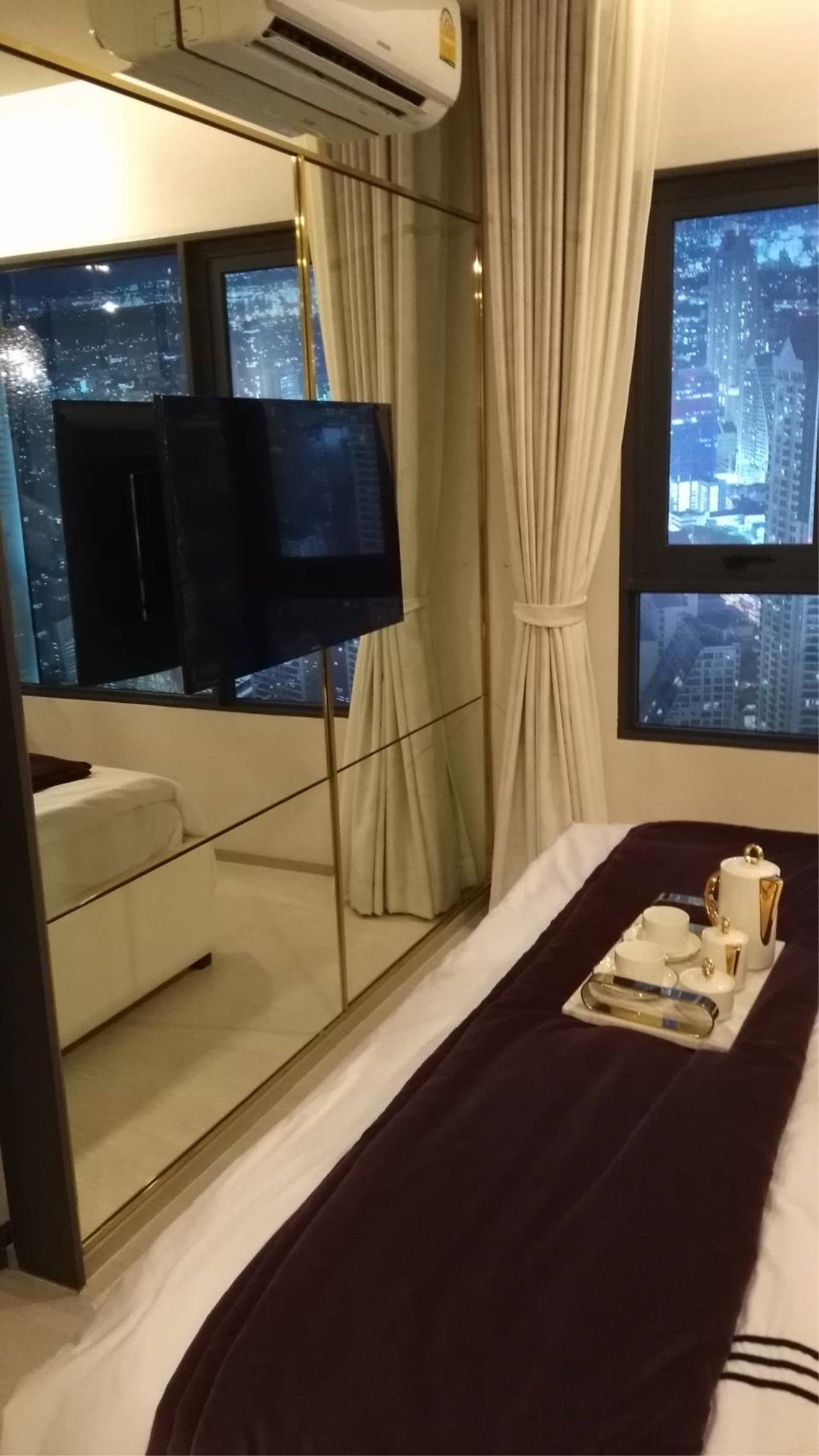 Quality Life Property Agency's Condo For Sale!!! Life One Wireless / 1 Bedroom / 21 Floor 5
