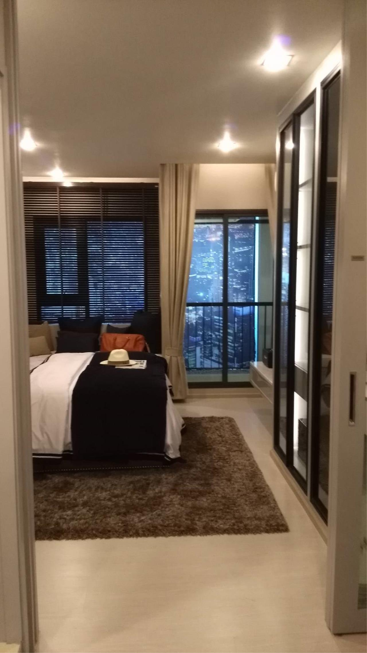 Quality Life Property Agency's Condo For Sale!!! Life One Wireless / 1 Bedroom / 21 Floor 8