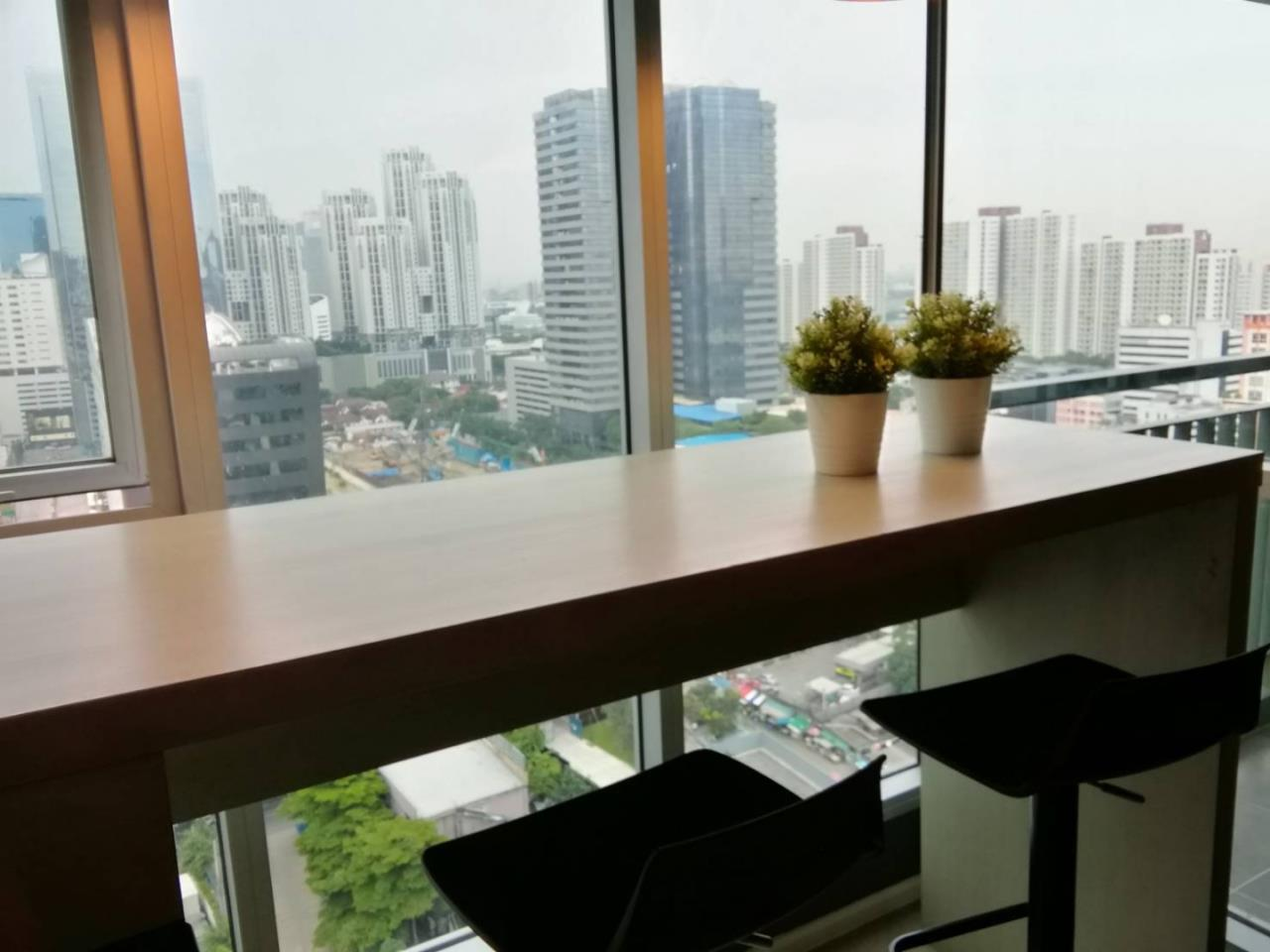 Quality Life Property Agency's CONDO FOR SALE!!! Aspire Rama 9 / 1 Bedroom / 20 Floor 5