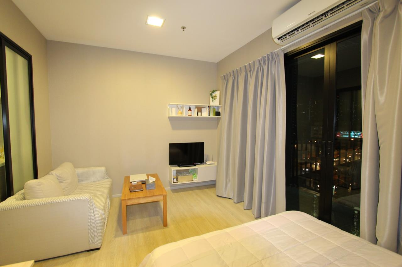 Quality Life Property Agency's FOR  Sale!!! Condolette Midst Rama9 / Studiov1 Bathroom / 8 Floor 5
