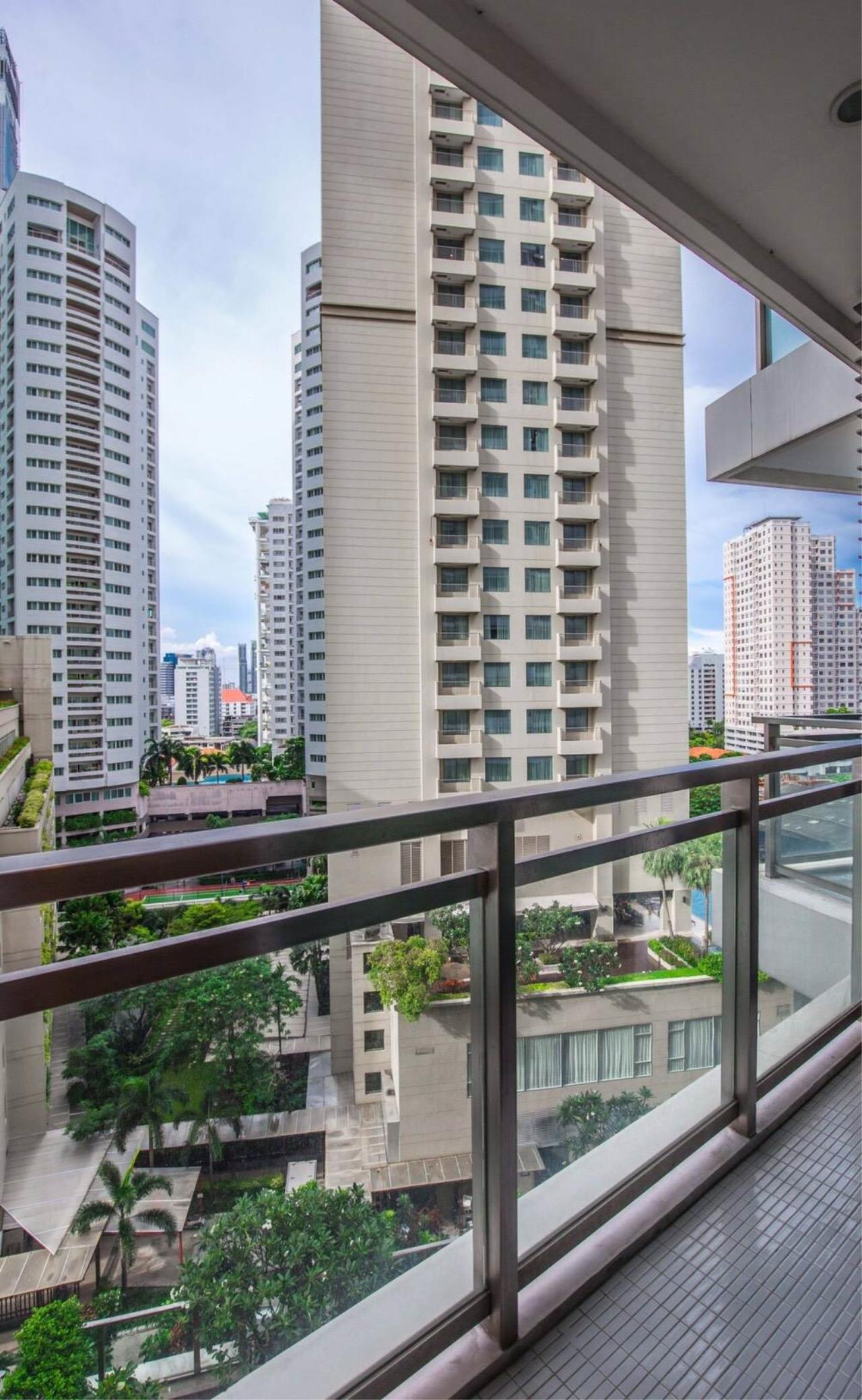 Quality Life Property Agency's For Sale/Rent!!! Bright Sukhumvit 24 / 1 Badroom  / 8 Floor 9