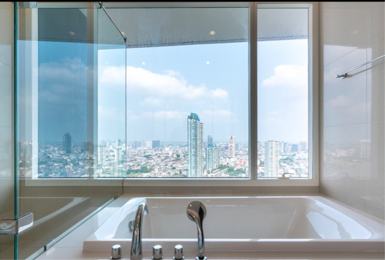 Bestbkkcondos Agency's Menam Residence / 3 bedrooms / 160 sqm / 160k rent / 39.68m sale 2