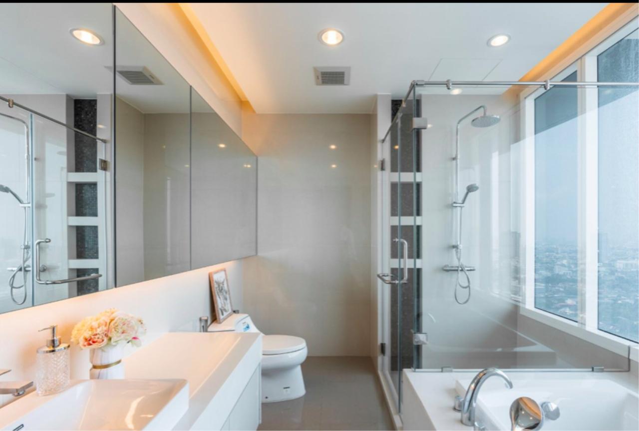Bestbkkcondos Agency's Menam Residence / 3 bedrooms / 160 sqm / 160k rent / 39.68m sale 1