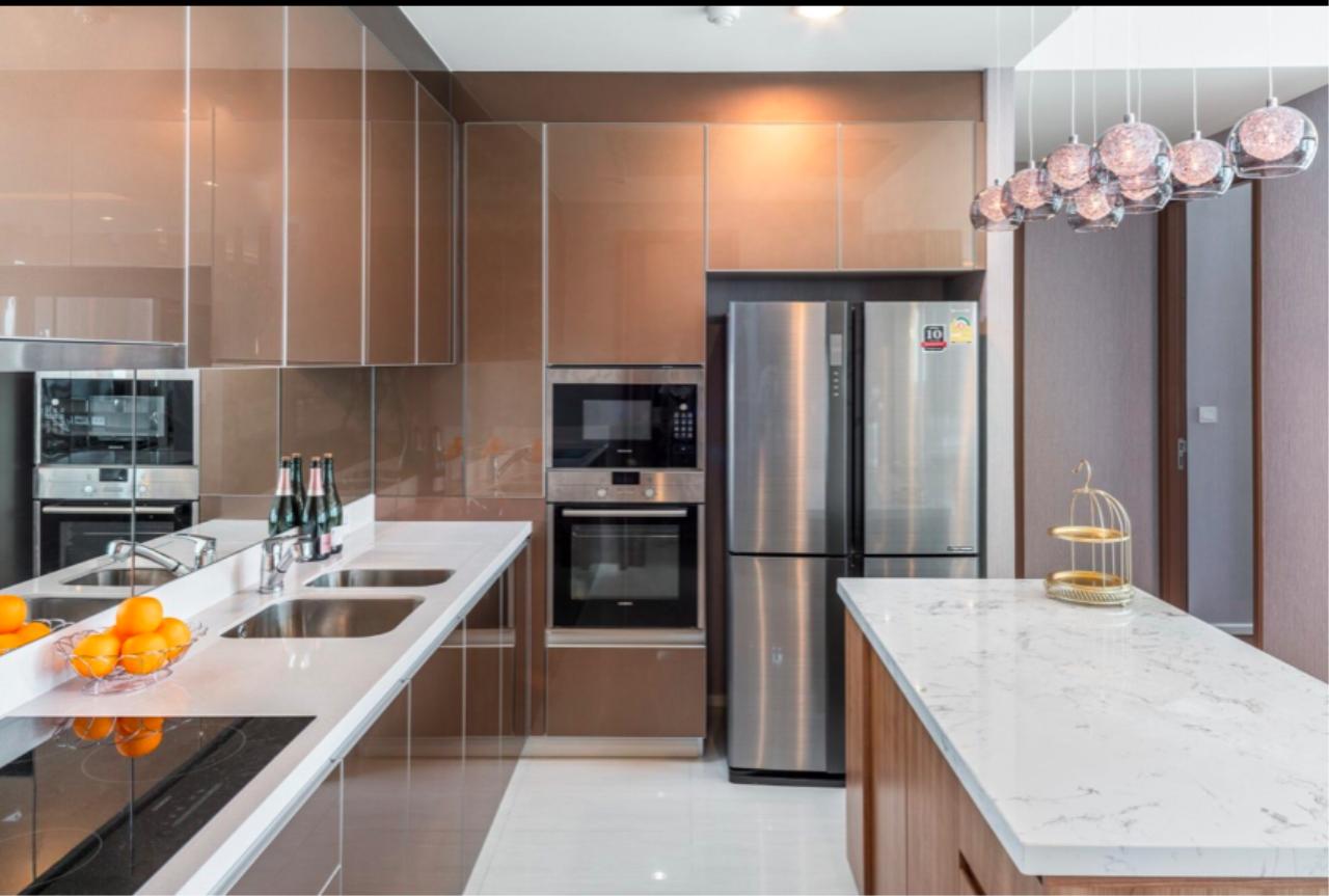 Bestbkkcondos Agency's Menam Residence / 3 bedrooms / 160 sqm / 160k rent / 39.68m sale 9