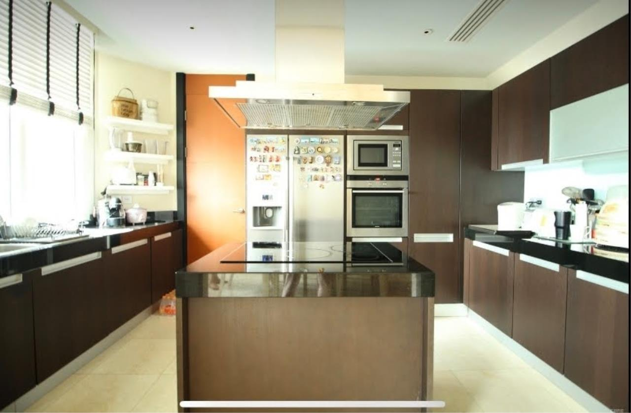 Bestbkkcondos Agency's The Infinity - 232 sqm - For Sale : 52 000 000 THB - 2 Bedrooms 1