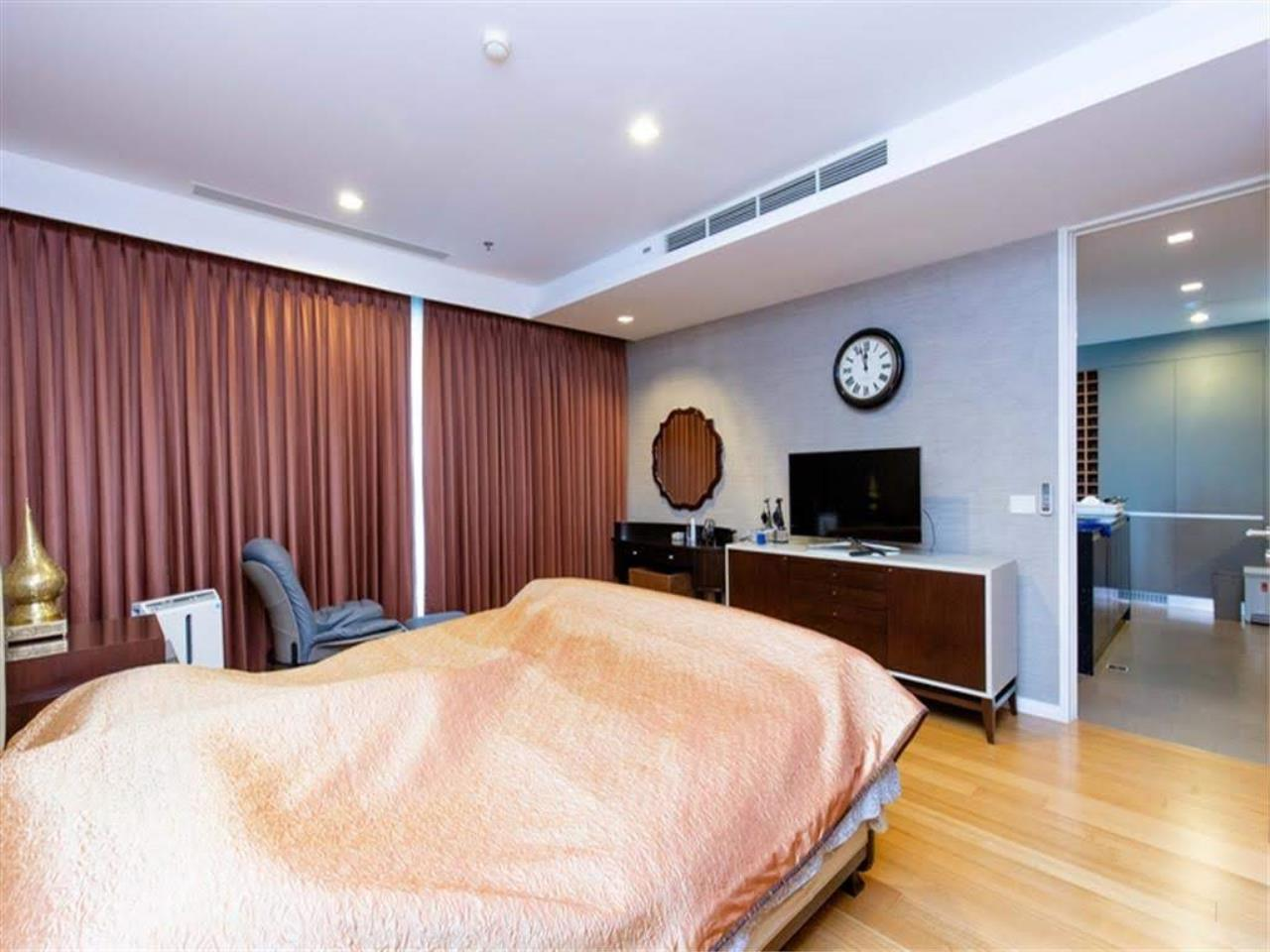 Bestbkkcondos Agency's The River - 233,8 sqm - For Sale : 52 000 000 THB - 3 Bedrooms 1