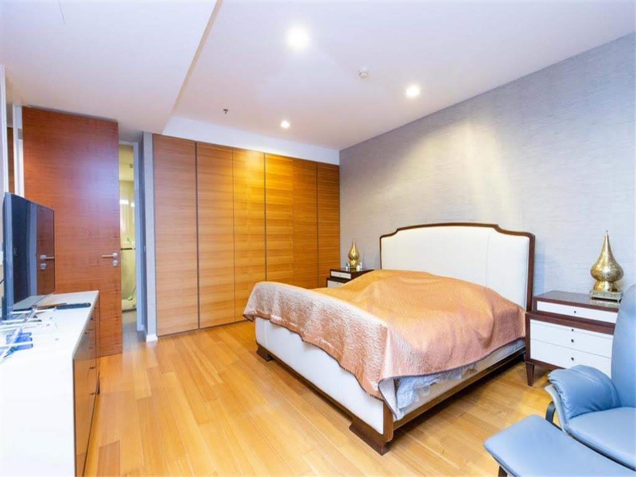 Bestbkkcondos Agency's The River - 233,8 sqm - For Sale : 52 000 000 THB - 3 Bedrooms 3