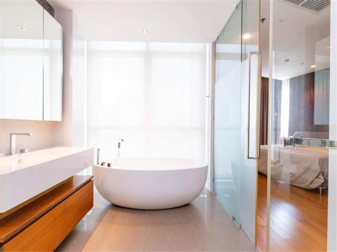 Bestbkkcondos Agency's The River - 233,8 sqm - For Sale : 52 000 000 THB - 3 Bedrooms 31