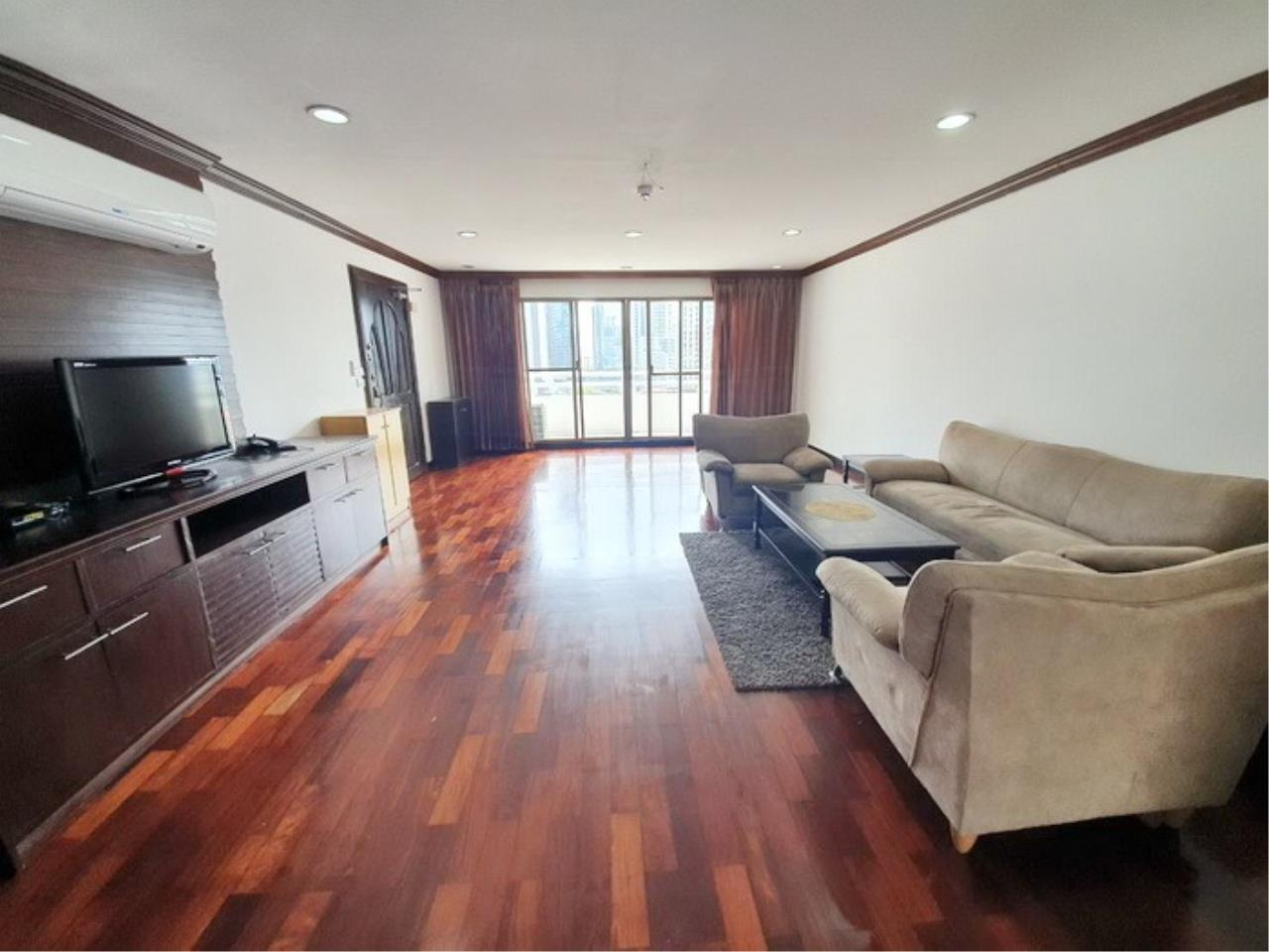 Bestbkkcondos Agency's regent on the park 1 - 250 Sq.M - for rent: 60000 THB - 3 bedrooms,3 bathrooms 1