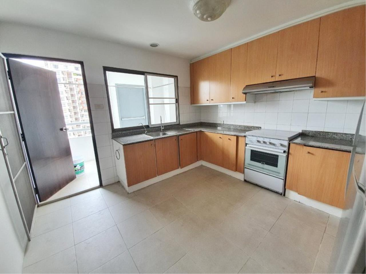 Bestbkkcondos Agency's regent on the park 1 - 250 Sq.M - for rent: 60000 THB - 3 bedrooms,3 bathrooms 9