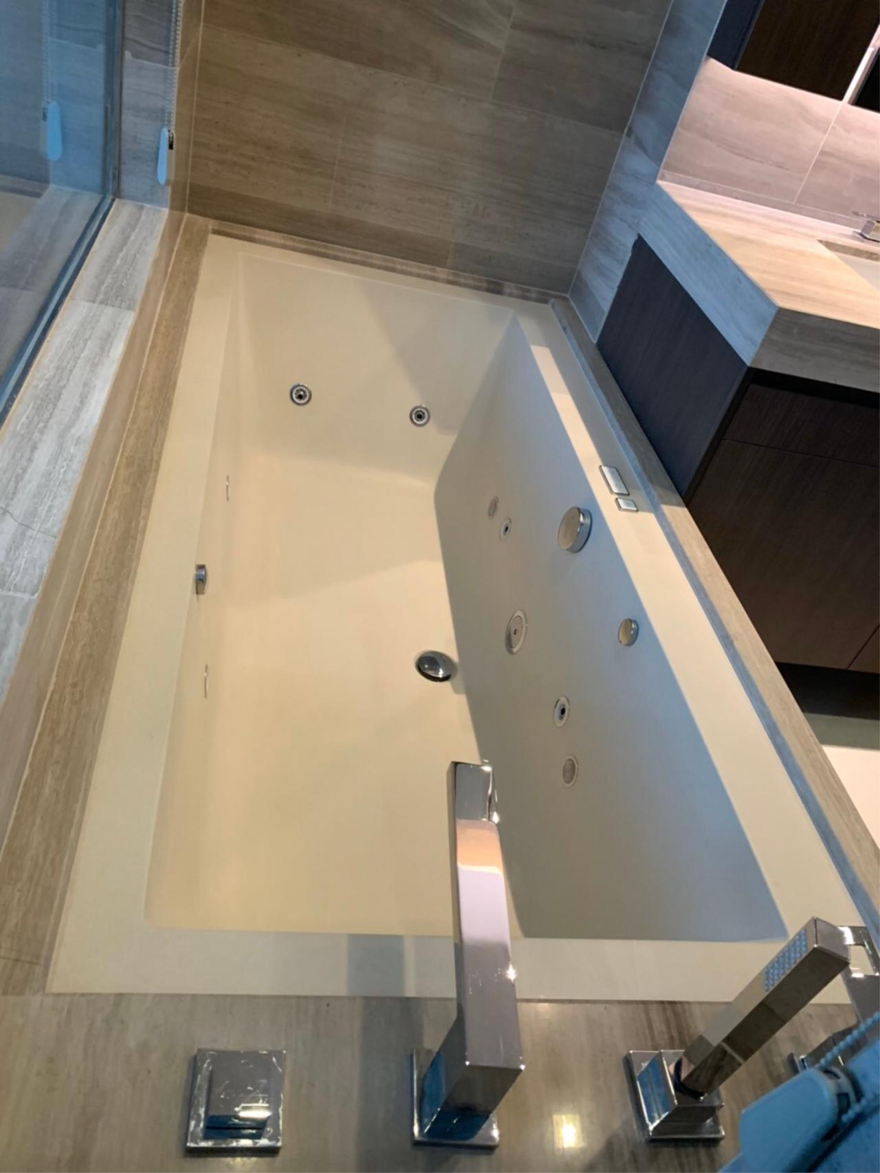 Bestbkkcondos Agency's Q sukhumvit at BTSnana - 92sqm - For Rent : 90 000 / month - 2 Bedrooms 3
